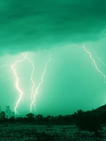 Green Sky Lightning Wallpaper